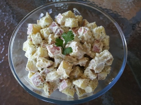 Simple potato salad with cashew cream